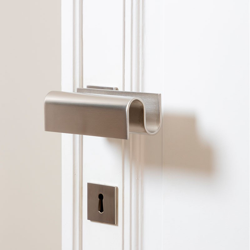 Nickel Handle designed for la Maison Vervloet by Victoria Maria, the Interior Architect